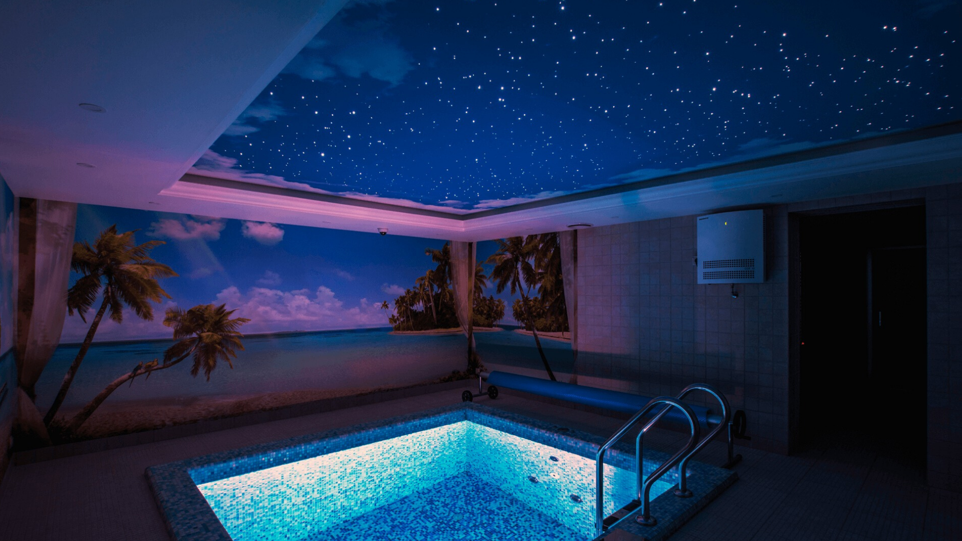 натяжные потолки звездное небо в бассейне