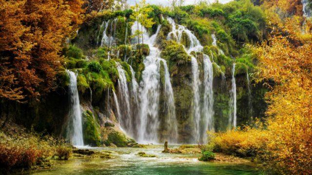 фотообои красивый водопад