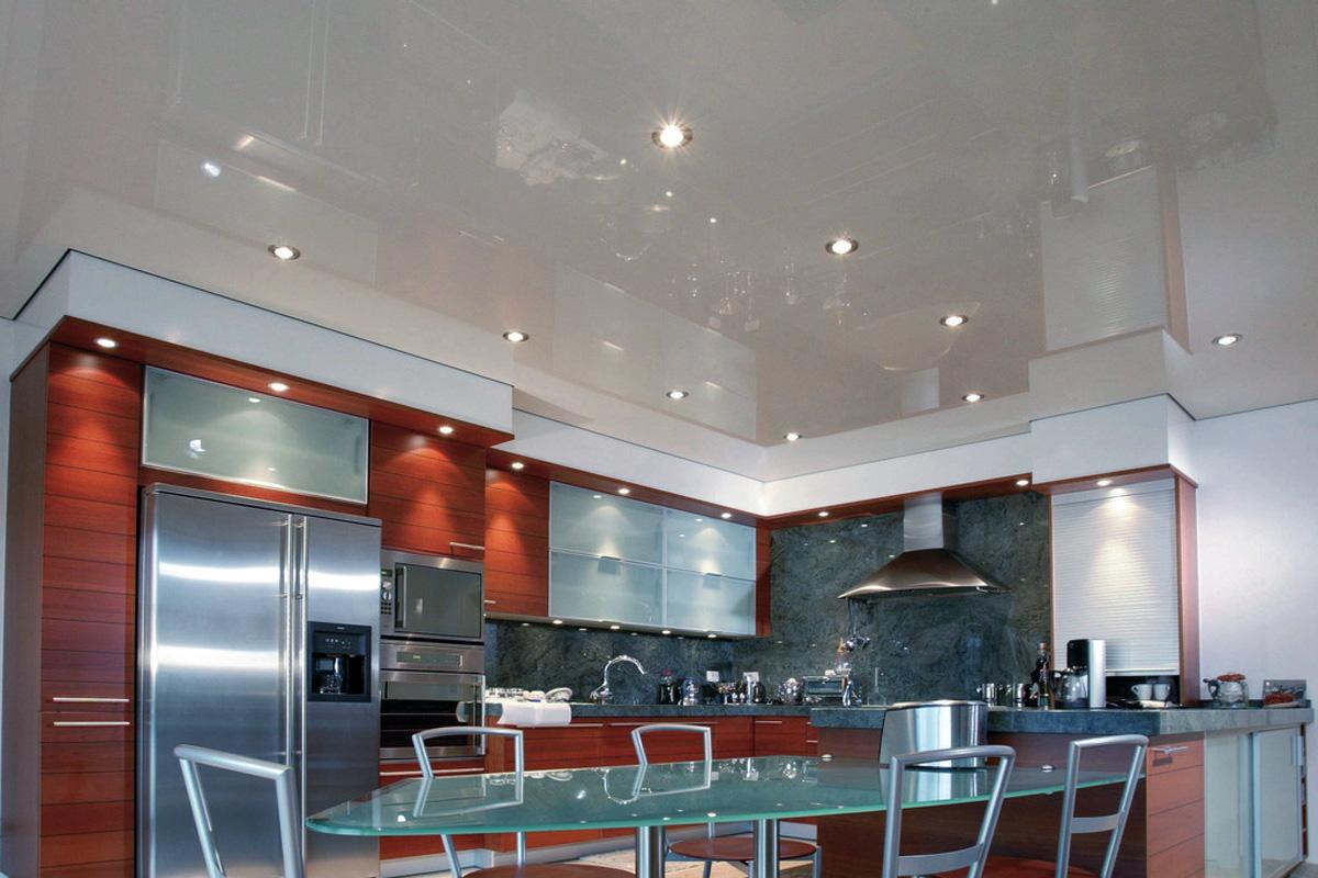 глянцевые потолки на кухню