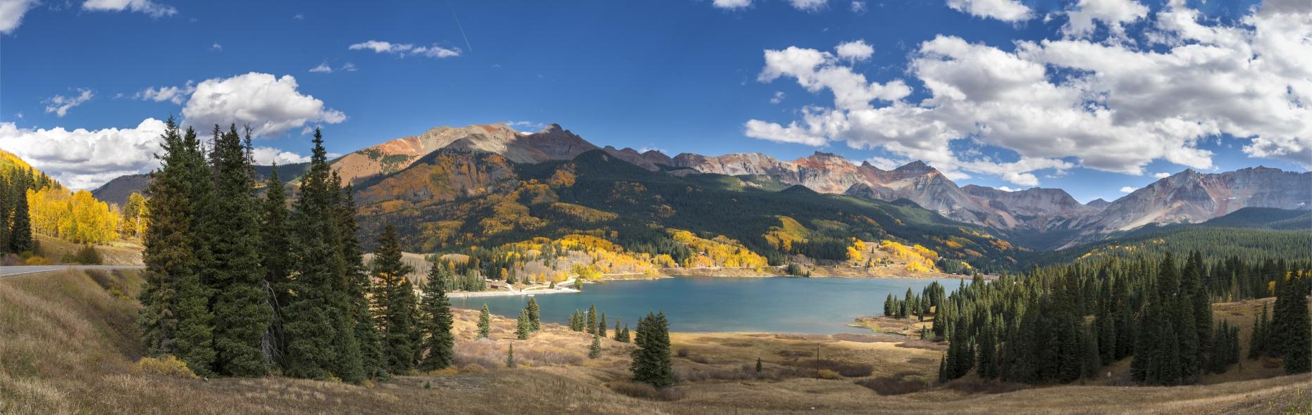 Фотообои пейзаж вода и горы